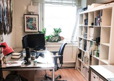 Arbetsplats 2 i rum 2